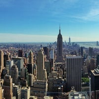 Foto diambil di Top of the Rock Observation Deck oleh Anthony G. pada 6/5/2013