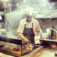 Foto tirada no(a) Pismo's Coastal Grill por Tom C. em 12/22/2012