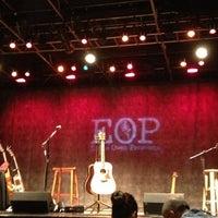 รูปภาพถ่ายที่ Eddie Owen Presents at Red Clay Theatre โดย 🍀Nancy G. เมื่อ 2/24/2013