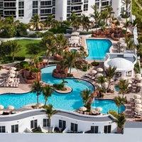 2/7/2013 tarihinde Susan B.ziyaretçi tarafından Trump International Beach Resort'de çekilen fotoğraf