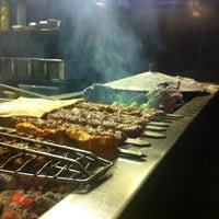 1/17/2013 tarihinde Avi G L.ziyaretçi tarafından Makara Charcoal Grill & Meze'de çekilen fotoğraf