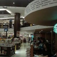 3/24/2013 tarihinde Alana S.ziyaretçi tarafından Saraiva MegaStore'de çekilen fotoğraf