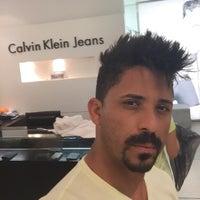... Foto tirada no(a) Calvin Klein Jeans por Geandres B. em 2  c618a1ad03