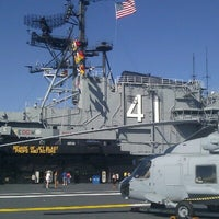 Photo prise au USS Midway Museum par Tom K. le10/14/2012