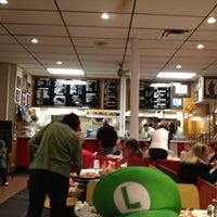 10/26/2012에 Eric O.님이 T. Anthony's Pizzeria에서 찍은 사진