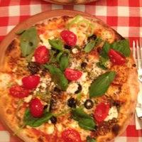 12/14/2012 tarihinde Gizem M.ziyaretçi tarafından Pizano Pizzeria'de çekilen fotoğraf