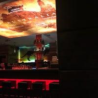 Das Foto wurde bei Australian Bar & Kitchen von Perry N. am 3/20/2018 aufgenommen