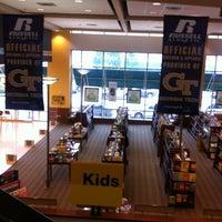 9/30/2012にTJがGeorgia Tech Bookstoreで撮った写真