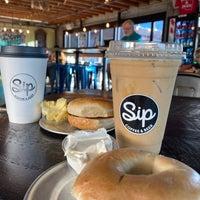 Photo prise au Sip Coffee & Beer House par Alissa M. le1/26/2020