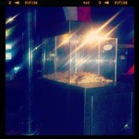 Снимок сделан в SRO Sports Bar & Cafe пользователем Pete H. 10/12/2012