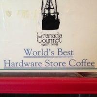 รูปภาพถ่ายที่ El Granada Hardware & Café โดย Napa Valley Bitters C. เมื่อ 5/8/2013