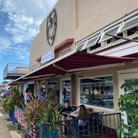 Foto tirada no(a) Kauai Beer Company por Angela W. em 12/24/2019