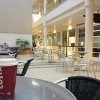 Foto diambil di University House oleh Abdulrahman H. pada 3/31/2013
