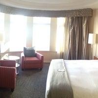 Снимок сделан в Hotel Zelos пользователем Katherine R. 12/13/2012