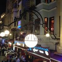 4/30/2013 tarihinde Gülşah Ç.ziyaretçi tarafından Aslanım Bar & Bira Evi & Restaurant'de çekilen fotoğraf