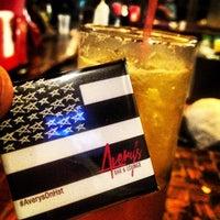 รูปภาพถ่ายที่ Avery's Bar & Lounge โดย iCan เมื่อ 4/25/2013