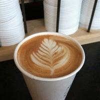 12/11/2012にSusan D.がFlying Goat Coffeeで撮った写真