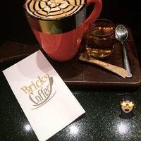 Foto tirada no(a) Bricks Coffee & Bistro por Dilara P. em 1/7/2020