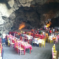Снимок сделан в La Gruta Restaurant пользователем Juan P. 5/3/2013
