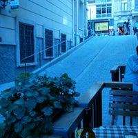 Das Foto wurde bei Tag Cafe & Bistro Istanbul von Erdinç K. am 7/3/2013 aufgenommen