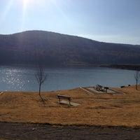 Das Foto wurde bei Lake Fort Smith State Park von Ashley M. am 11/20/2012 aufgenommen