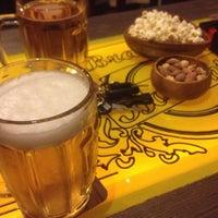 รูปภาพถ่ายที่ Sardunya Cafe & Bar โดย Burak S. เมื่อ 4/12/2013