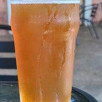 รูปภาพถ่ายที่ Firefly Hollow Brewing Co. โดย Scott T. เมื่อ 10/16/2021