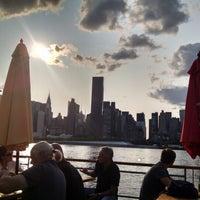 Das Foto wurde bei Anable Basin Sailing Bar & Grill von Derek L. am 8/8/2014 aufgenommen