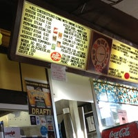 12/30/2012にLogan H.がWoody's Famous CheeseSteaksで撮った写真