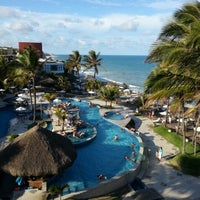 Foto tirada no(a) Ocean Palace Beach Resort & Bungalows por Breno V. em 11/27/2012