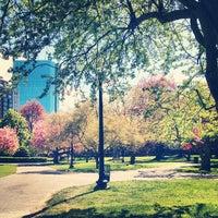 Foto tomada en Jardín Público de Boston por Chris F. el 5/7/2013