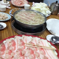 Das Foto wurde bei 長白小館 von Angeline C. am 4/14/2013 aufgenommen