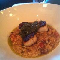 รูปภาพถ่ายที่ Canyon Restaurant โดย Laura F. เมื่อ 4/19/2013