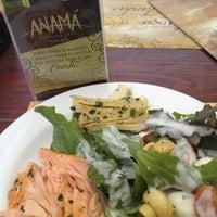 Foto scattata a Anamá Restaurante da Maíra M. il 10/29/2012