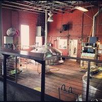 Das Foto wurde bei Goose Island Beer Co. von leeleechicago am 9/14/2012 aufgenommen