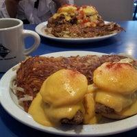 9/14/2012 tarihinde Matt L.ziyaretçi tarafından Uptown Diner'de çekilen fotoğraf