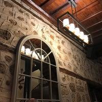 รูปภาพถ่ายที่ Du Bastion Fine Dining Restaurant โดย Betül G. เมื่อ 4/9/2017