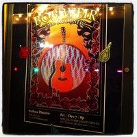 Photo prise au The Balboa Theatre par Laurie D. le12/8/2012
