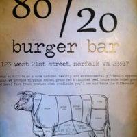 Foto tirada no(a) 80/20 Burger Bar por David S. em 4/2/2013