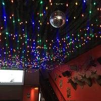 รูปภาพถ่ายที่ The SKINnY Bar & Lounge โดย Kristin R. เมื่อ 8/31/2019