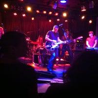 4/12/2013 tarihinde Wesley C.ziyaretçi tarafından Smith's Olde Bar'de çekilen fotoğraf