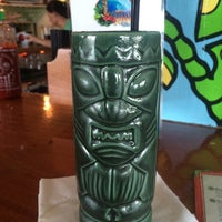 Photo prise au Mama Kwan's Tiki Bar & Grill par Anthony A. le6/7/2014