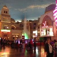 รูปภาพถ่ายที่ Miracle Mile Shops โดย JK G. เมื่อ 11/25/2012