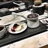 11/19/2017 tarihinde Alev Y.ziyaretçi tarafından Nobby Restaurant&Lounge'de çekilen fotoğraf