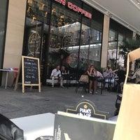 Das Foto wurde bei Berlin Coffee von Moudar Z. am 7/31/2017 aufgenommen