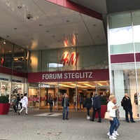 Foto tirada no(a) Forum Steglitz por Moudar Z. em 9/12/2017