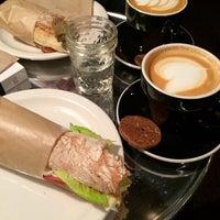 Foto tomada en Ground Central Coffee Company por Tammy M. el 1/20/2014