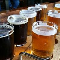 Foto diambil di Alameda Island Brewing Company oleh Lily T. pada 4/2/2015