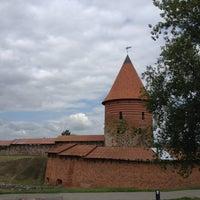 Снимок сделан в Каунасский замок пользователем Nathalie🍁 7/16/2013