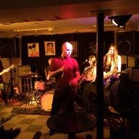 Photo prise au Café Bar Zénob par Denis R. le3/16/2014